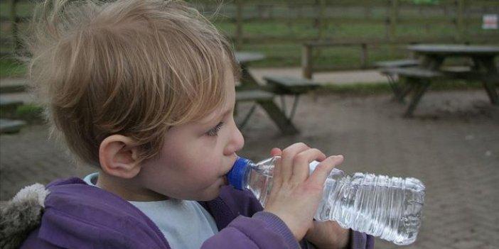 Çocukların yarısından çoğunun su tüketimi yetersiz