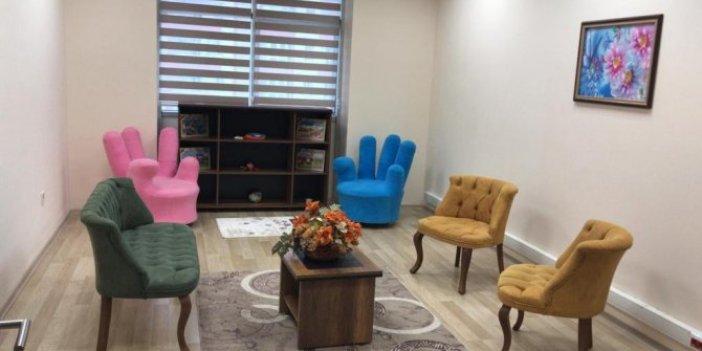 Adli görüşme odasında koltuk skandalı!