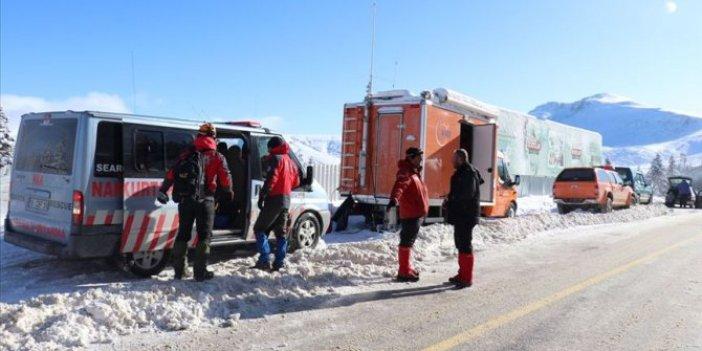 Kaybolan dağcıları arama çalışmaları 13. gününde