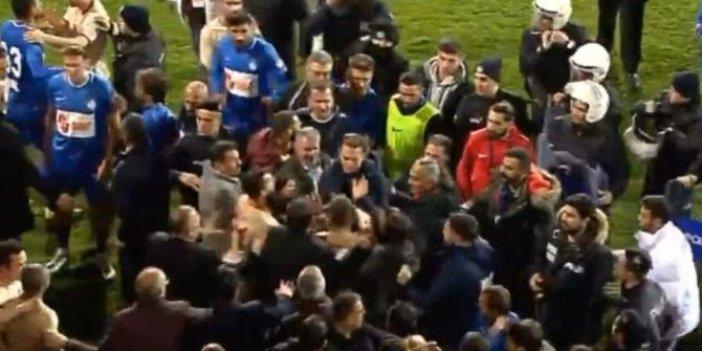 Galatasaray ve Tuzlaspor'lu oyunculardan yumruk yumruğa kavga