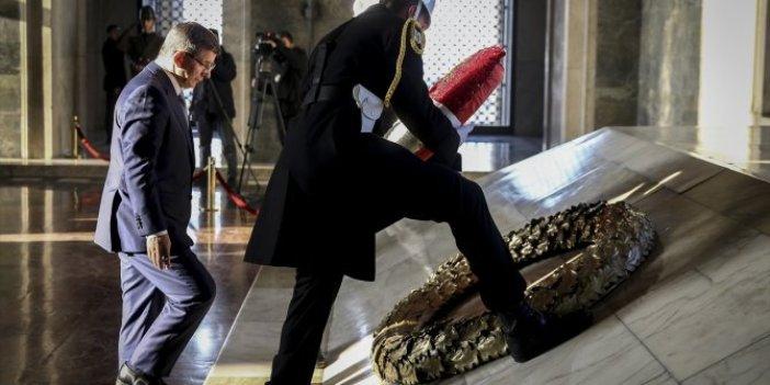 Gelecek Partisi Genel Başkanı Ahmet Davutoğlu Anıtkabir'i ziyaret etti