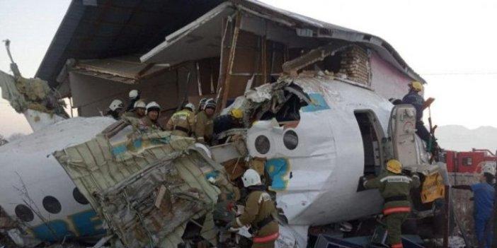 Yolcu uçağı düştü, çok sayıda ölü var