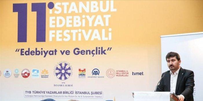 """İstanbul Edebiyat Festivali """"Edebiyat ve Gençlik"""" temasıyla başladı"""