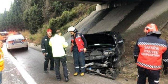 AKP'li Mahir Ünal'ın makam aracı kaza yaptı