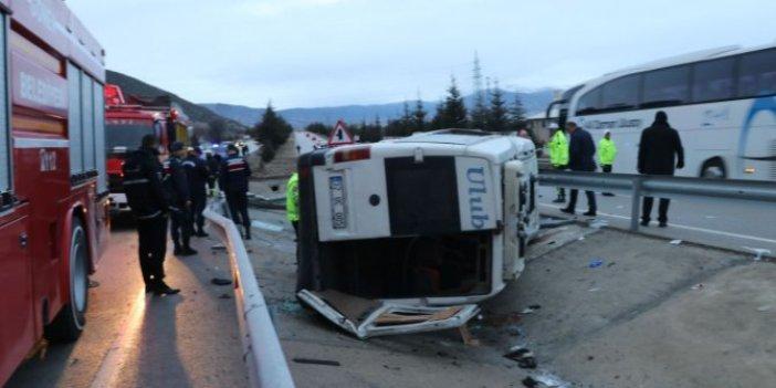 Isparta'da yolcu midibüsü devrildi: 15 yaralı
