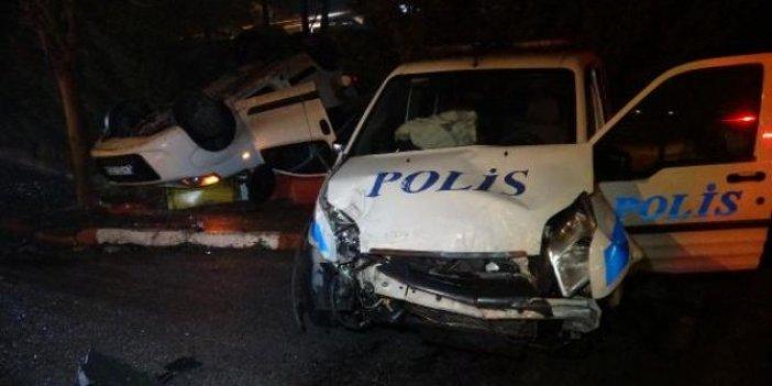 Polis otosu hafif ticari araç ile çarpıştı