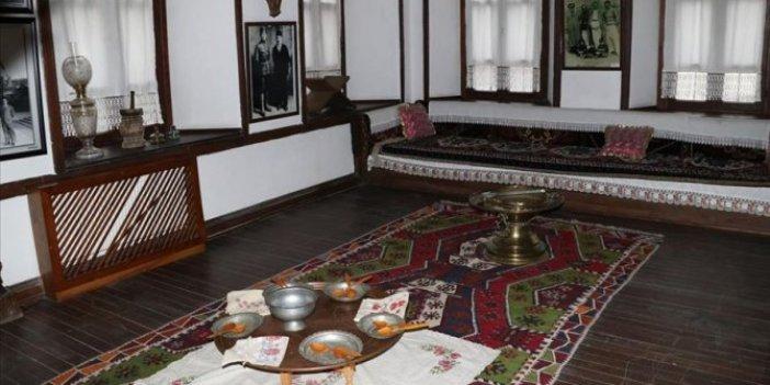 Atatürk'ün emanetlerinin bulunduğu konağa yoğun ilgi