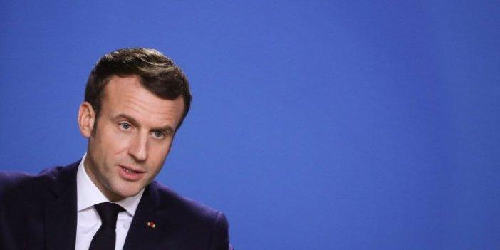 Eylemciler Macron'un tiyatro izlediği salonu basmaya çalıştı