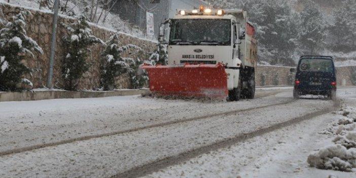 Amasya'ya yılın ilk karı yağdı