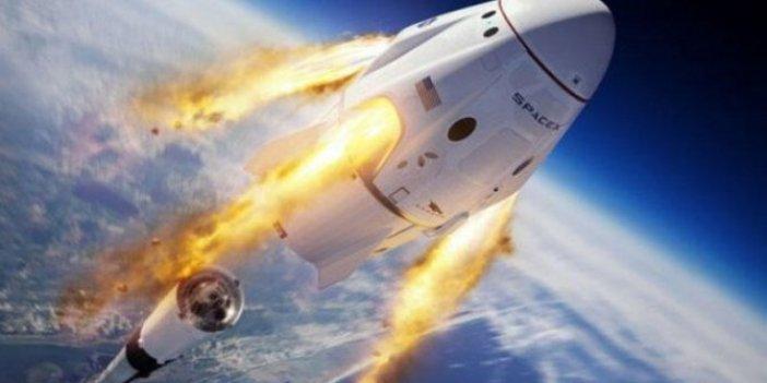 SpaceX'in acil durum testi: Astronot kapsülü okyanusa indi