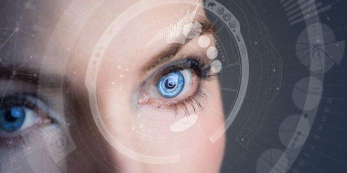 """Sanal gerçeklik için """"akıllı kontakt lens"""" üretildi!"""