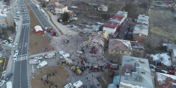 Eski başkandan depremde çöken bina ile ilgili itiraf!