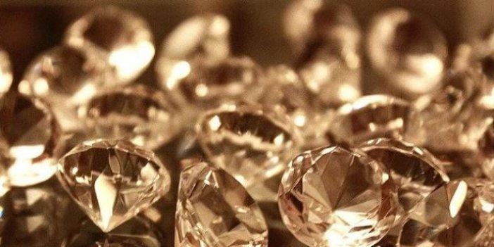 Bilim insanlarından elmasları bükebilmek için yeni yöntem!