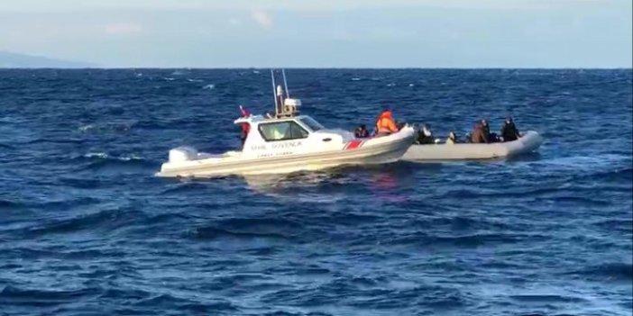 İzmir'de 30 göçmen yakalandı