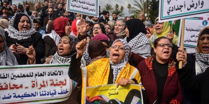 """Gazze'de Trump'ın """"barış planı"""" protesto edildi"""