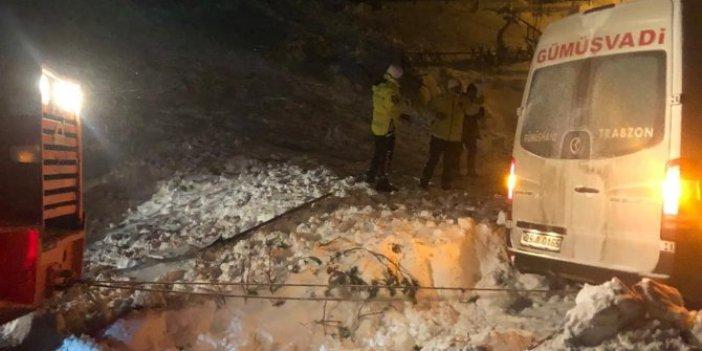 Trabzon-Gümüşhane karayoluna çığ düştü