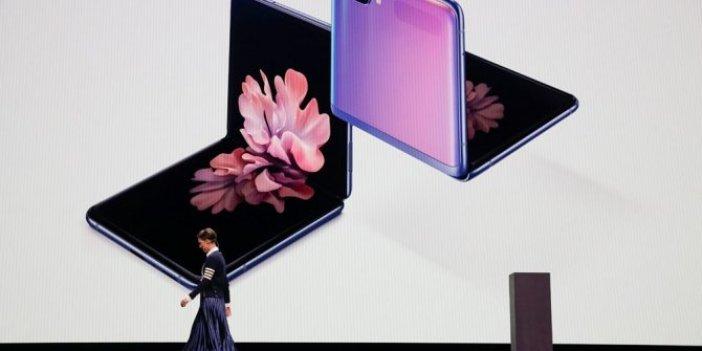Samsung katlanabilir telefonunu tanıttı!