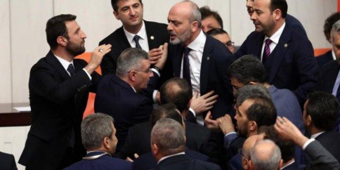 İYİ Parti ve AKP'li vekiller Meclis'te birbirine girdi