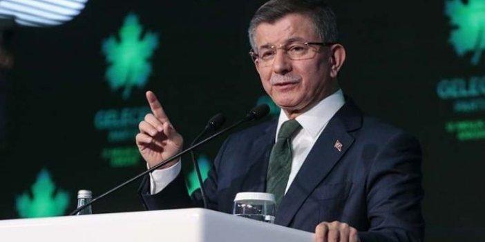 Ahmet Davutoğlu'nun masasında AKP'yi üzecek anket!