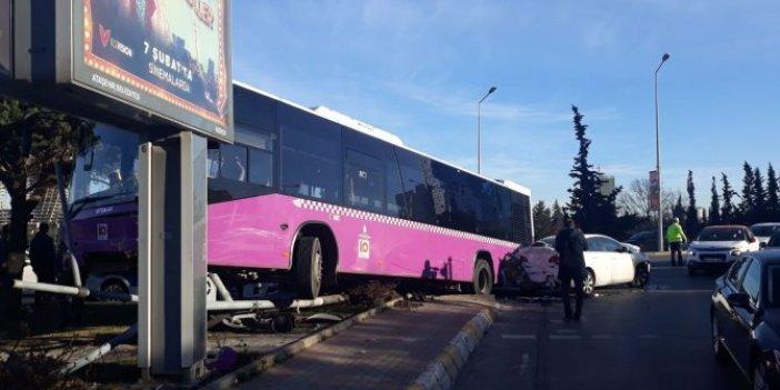 Halk otobüsü kaza yaptı