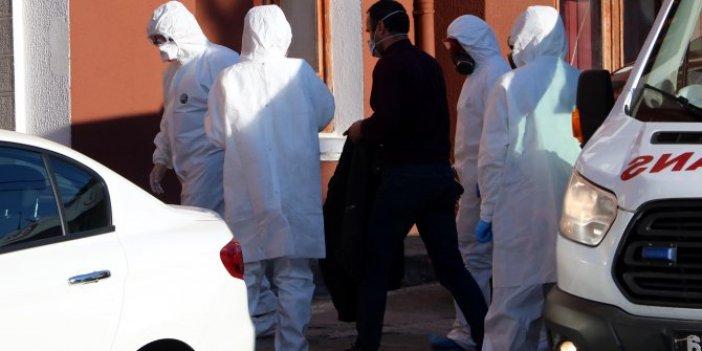 İranlı TIR şoförlerine coronavirüs kontrolü