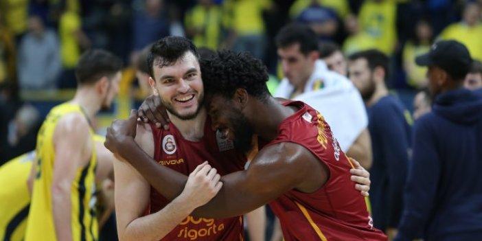Galatasaray basketbolda Fenerbahçe'yi devirdi