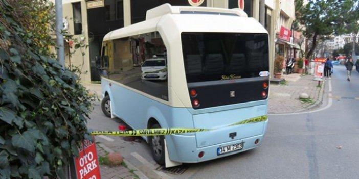 Minibüs şoförü yaşlı kadına çarpıp öldürdü: Vatandaşlardan sert tepki