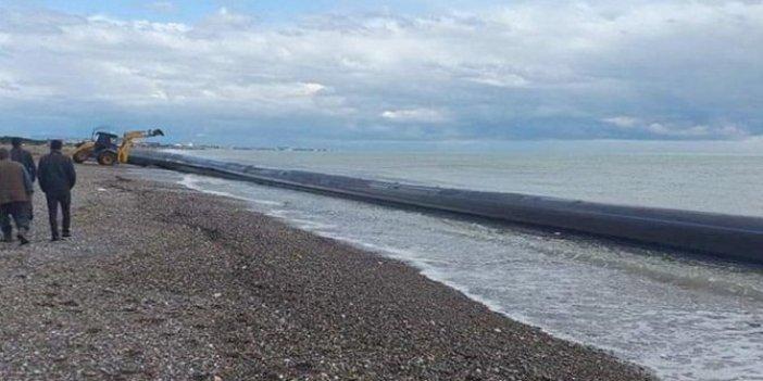 200 metrelik plastik boru kıyıya vurdu