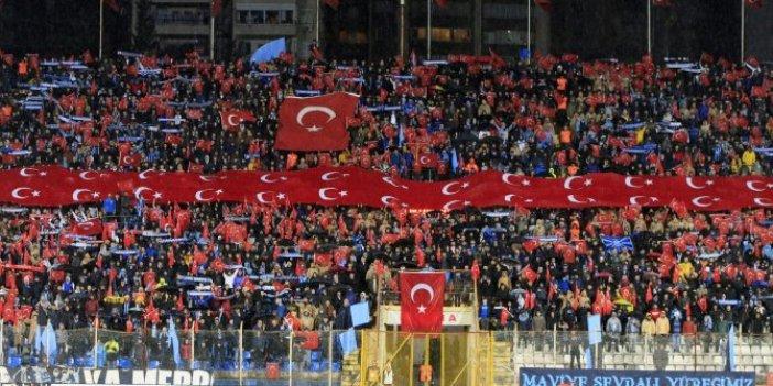 Adana Demirspor-Hatayspor maçında şehitlerimiz unutulmadı