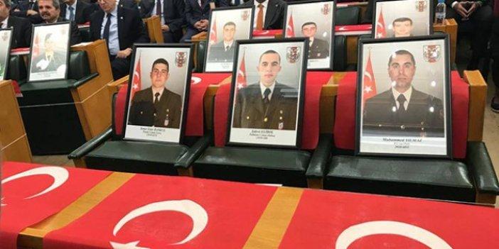 İYİ Parti grup toplantısında şehitler en ön sırada yer aldı!