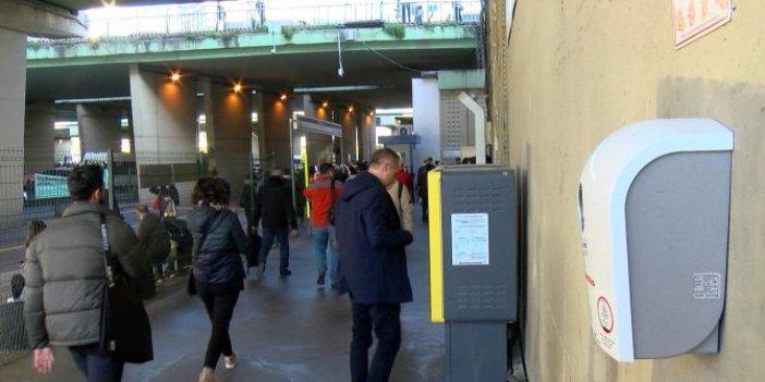 Metrobüs duraklarında corona virüs önlemi