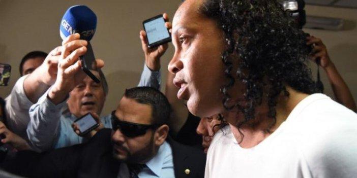 Brezilyalı futbolcu Ronaldinho tutuklandı!