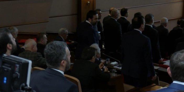 İBB Meclisi'nde İstiklal Marşı'na saygısızlık