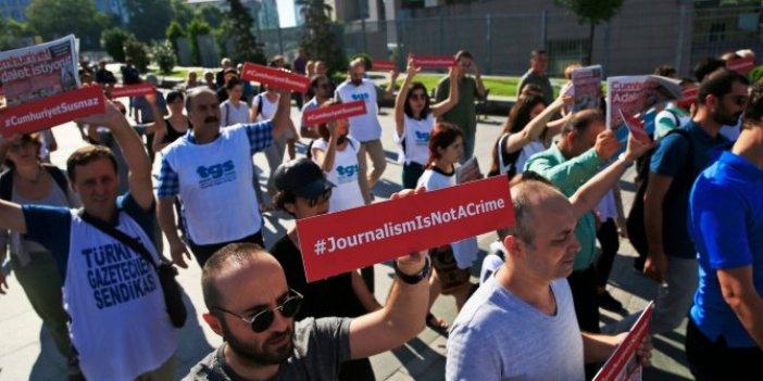 Gazeteciler sokağa iniyor