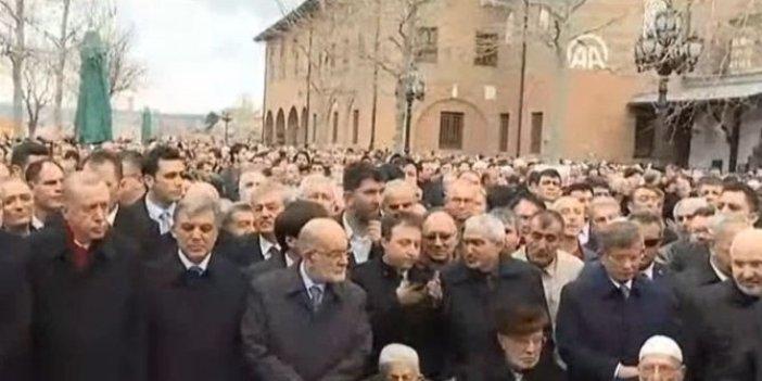 Şevket Kazan'ın cenaze töreninde dikkat çeken kare