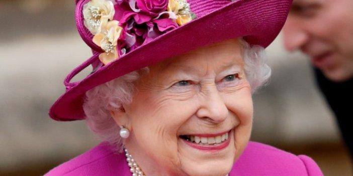 Kraliçe Elizabeth koronavirüse kafa tuttu