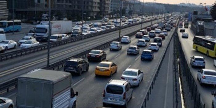 İstanbul'da toplu taşıma kullanımı azaldı ama trafik yoğunluğu devam ediyor