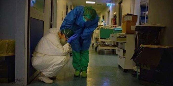 Kahreden fotoğraf: Doktorların yıkıldığı an