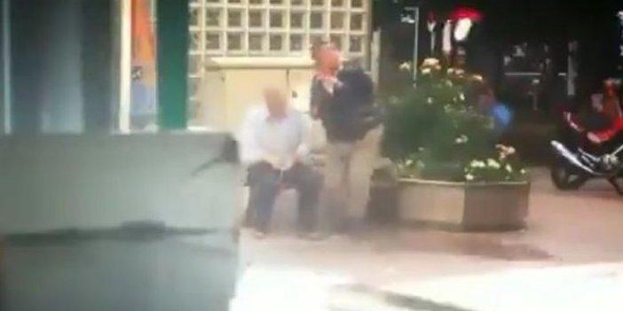 Yasağa rağmen dışarı çıkan yaşlılara su fırlattılar
