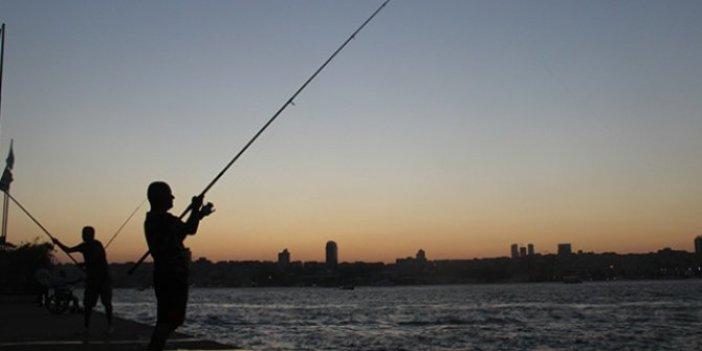 Üsküdar Belediyesi balık tutmayı yasakladı