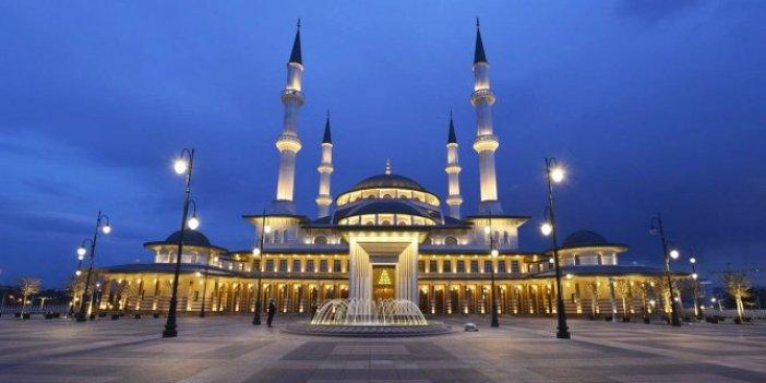 Beştepe'ye özel cuma namazı kılındı