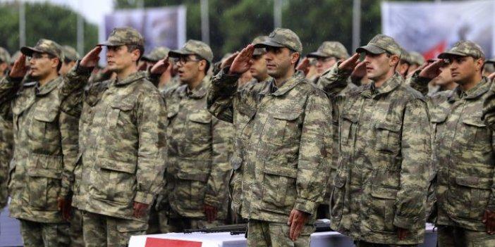 Hulusi Akar açıkladı: Askerlik bir ay uzatıldı