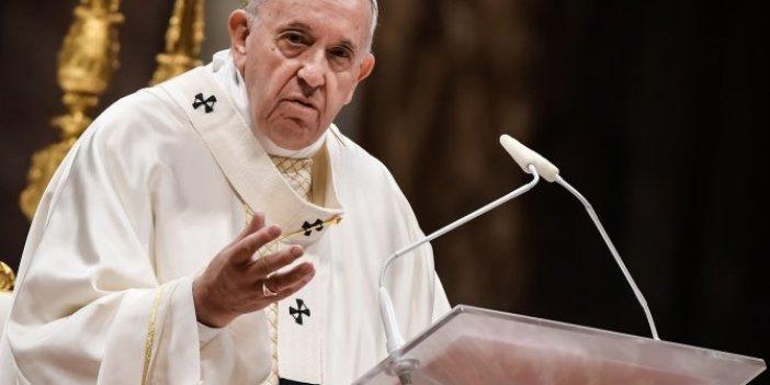 Papa Françesko: İnternet üzerinden gerçekleştirilen ayinler tehlikeli