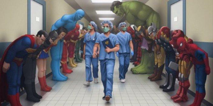 Süper kahramanlar, doktorların önünde eğildi