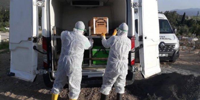 Korona virüsten ölen polis memuru, toprağa verildi