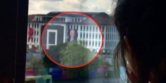 Atatürk'ün posteri yerine Binali Yıldırım'ın posterini astılar! Böyle yanlış yapılır mı?