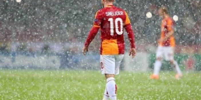 Wesley Sneijder'in jübilesine korona engeli