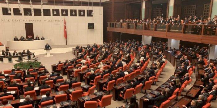 Meclis'teki o grubun vekilleri, fırsat buldukça Davutoğlu'nu arıyor