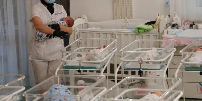 Korona virüs onları da vurdu, taşıyıcı anneden doğan bebekler ortada kaldı