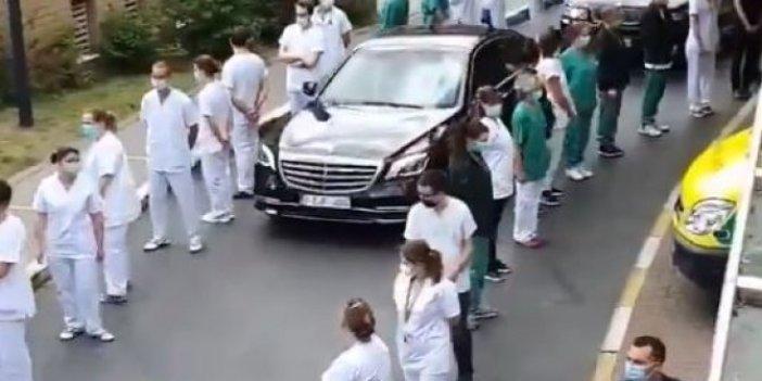 Sağlık çalışanlarından ses getiren eylem: Başbakan geçerken öyle bir protesto yaptılar ki